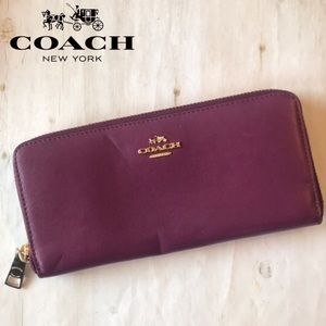 Coach Accordion Zip Wallet Smooth Leather Oxblood